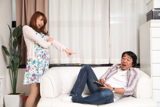 同僚の教師と浮気する夫